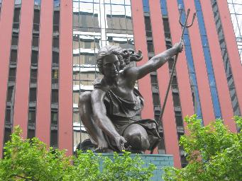 Portlandia_sculpture.jpg